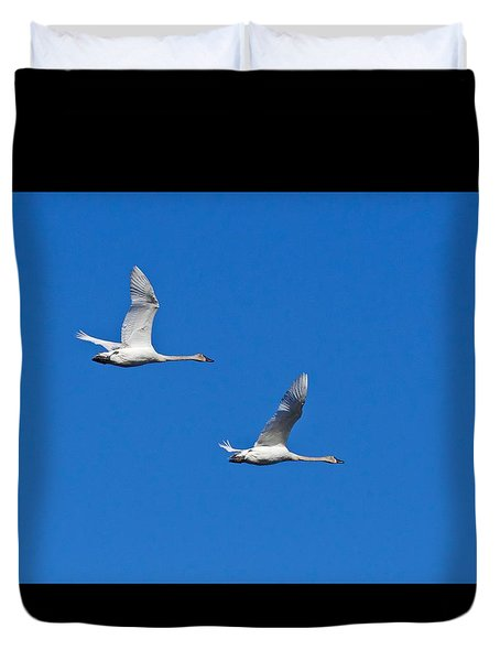 Duvet Cover featuring the photograph Trumpeter Swan 1727 by Michael Peychich