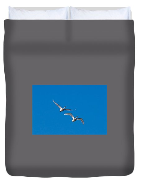 Duvet Cover featuring the photograph Trumpeter Swans 1735 by Michael Peychich