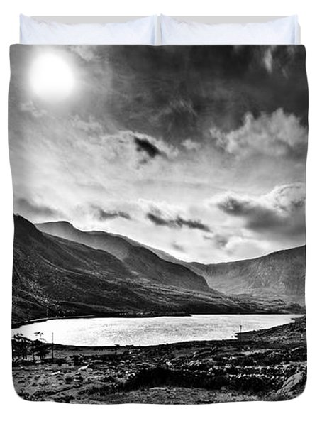 Tryfan And Llyn Ogwen Duvet Cover