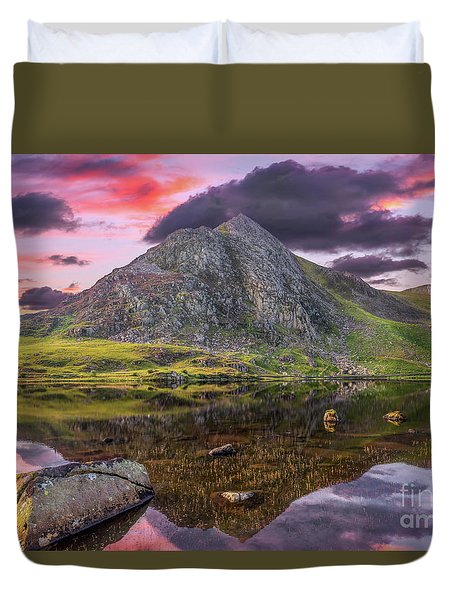 Duvet Cover featuring the photograph Tryfan Mountain Sunset by Adrian Evans