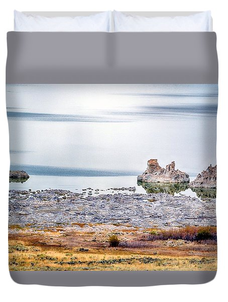 Tufa Formations At Mono Lake Duvet Cover
