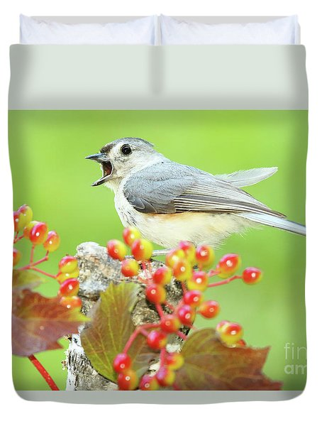 Tufted Titmouse Calling Duvet Cover