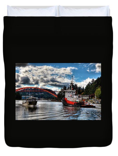 Tugboat At The Rainbow Bridge Duvet Cover by David Patterson