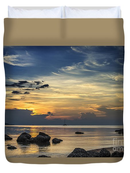 Turbulences Duvet Cover
