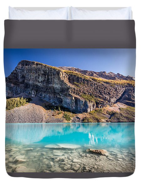 Turquoise Water Of The Scenic Lake Louise Duvet Cover