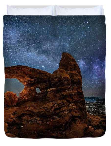Turret Arch Under The Milky Way Duvet Cover