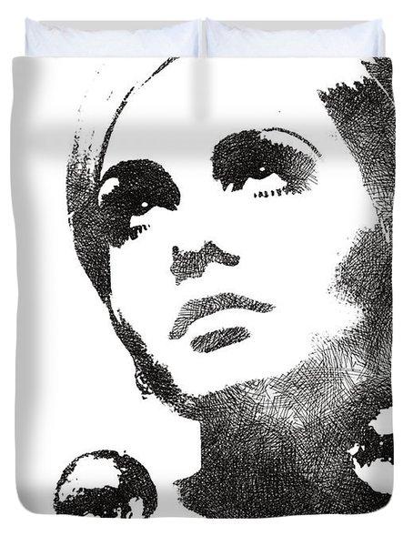 Twiggy Bw Portrait Duvet Cover