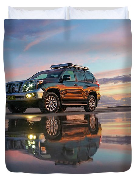Twilight Beach Reflections And 4wd Car Duvet Cover