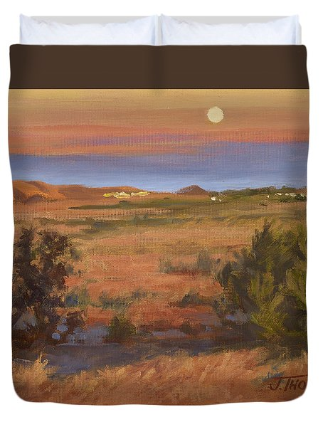 Twilight Moonrise, Valyermo Duvet Cover