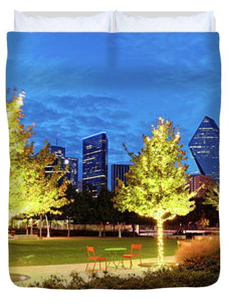Twilight Panorama Of Klyde Warren Park And Downtown Dallas Skyline - North Texas Duvet Cover