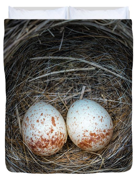 Duvet Cover featuring the photograph Two Junco Eggs In The Nest by William Lee
