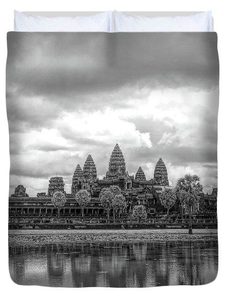 Two Tone Black White Vertical Angkor Wat  Duvet Cover