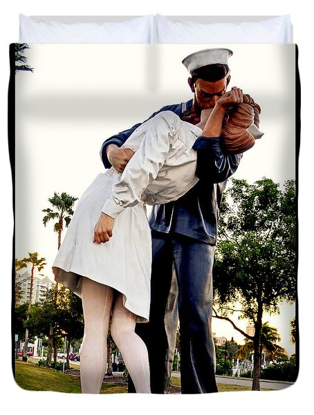 Unconditional Surrender Statue - Sarasota 001 Duvet Cover by George Bostian