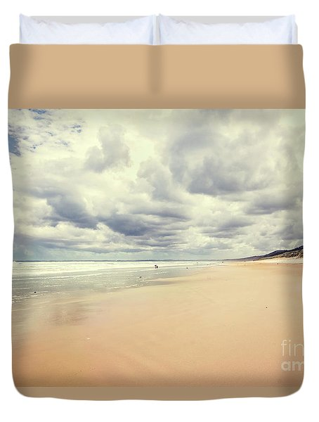 Duvet Cover featuring the photograph Under A Southern Sky by Linda Lees