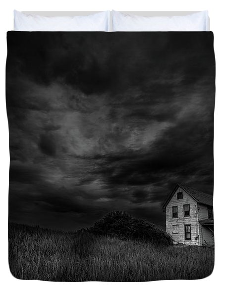 Under Threatening Skies Duvet Cover
