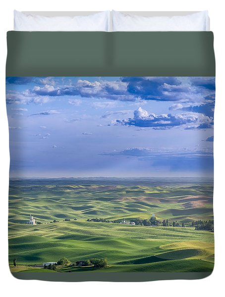 Undulating Palouse Wheatfields Duvet Cover