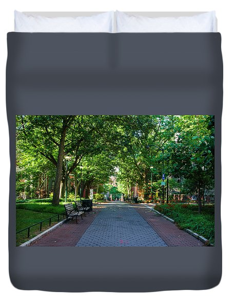 Duvet Cover featuring the photograph University Of Pennsylvania Campus - Philadelphia by Bill Cannon