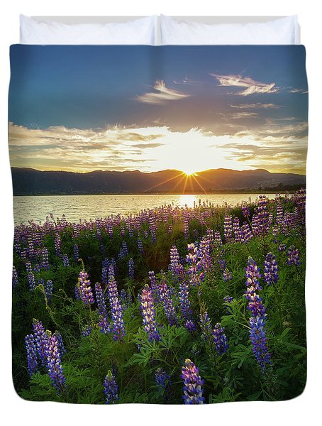 Untamed Beauty Duvet Cover by Tassanee Angiolillo