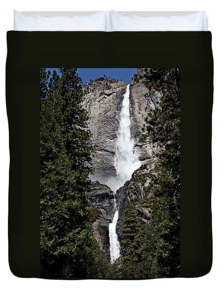 Upper And Lower Yosemite Falls Duvet Cover by Garry Gay