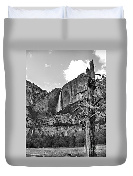 Upper And Lower Yosemite Falls Duvet Cover