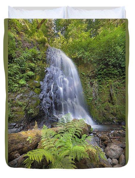 Upper Mccord Creek Falls Duvet Cover by David Gn