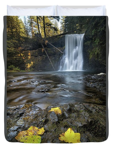 Upper North Falls In Autumn Duvet Cover by David Gn