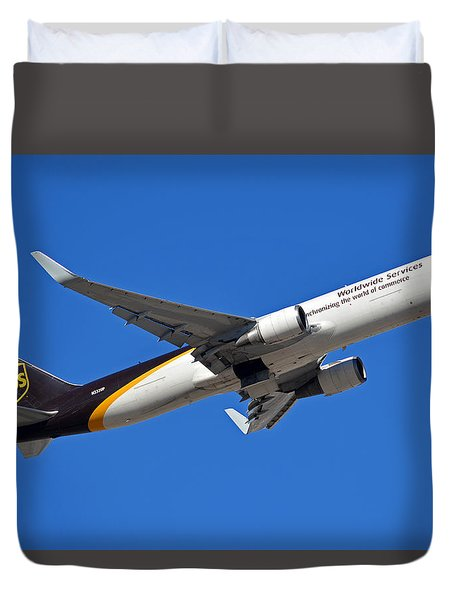 Ups Boeing 767-34af N332up Phoenix Sky Harbor January 12 2015 Duvet Cover