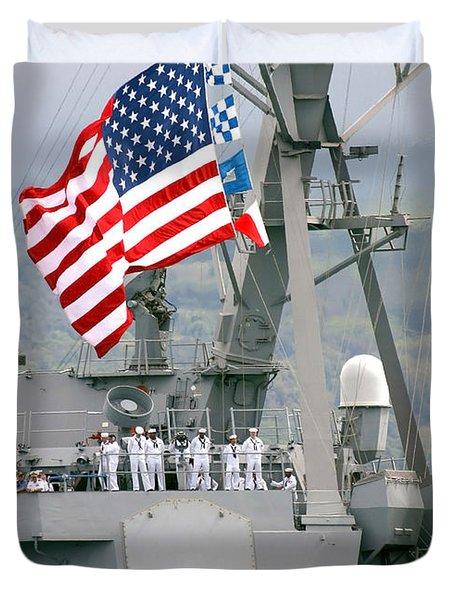 U.s. Navy Sailors Line The Rails Aboard Duvet Cover