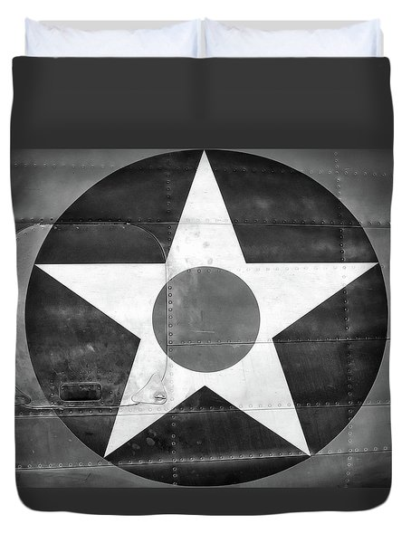 Us Roundel, In Black And White - 2017 Christopher Buff, Www.aviationbuff.com Duvet Cover