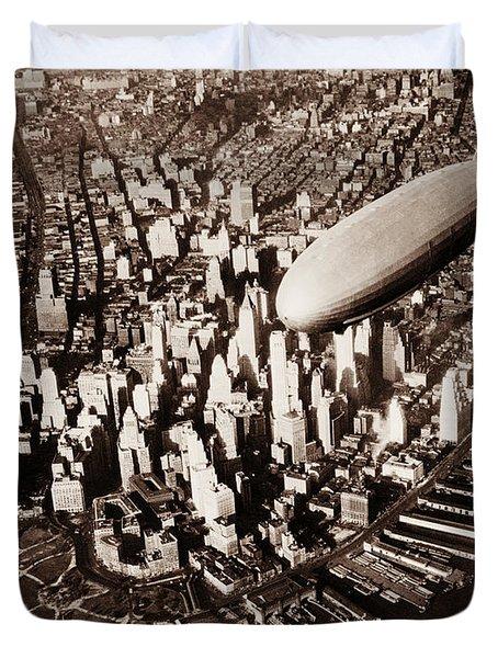 Uss Akron Flying Over New York City - Circa 1932 Duvet Cover