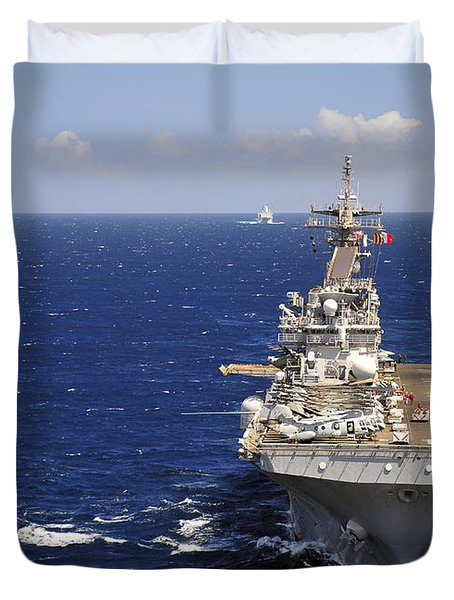 Uss Boxer Leads A Convoy Of Ships Duvet Cover by Stocktrek Images