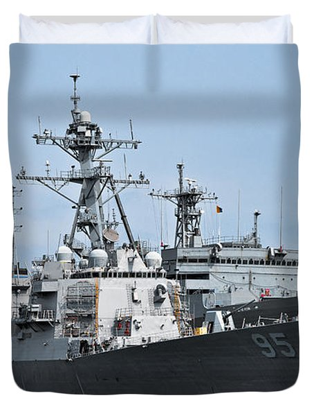 Uss James E. Williams Ddg-95 Duvet Cover by Christopher Holmes