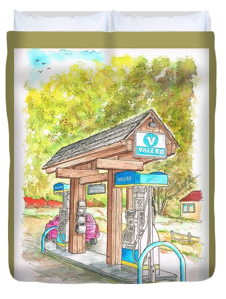 Valero Gas Station In Big Sur, California Duvet Cover