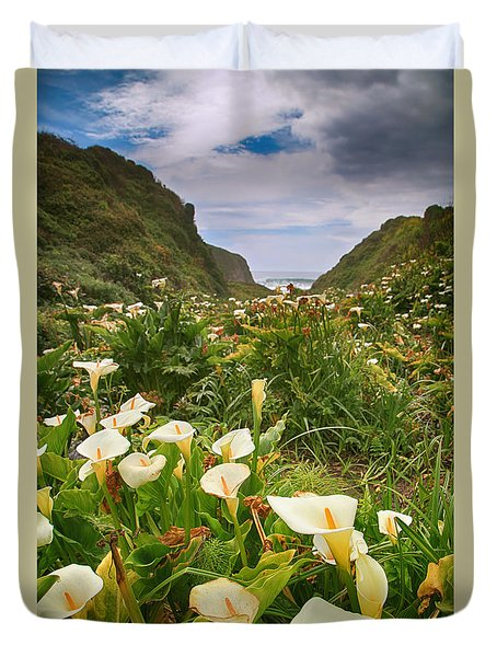 Valley Of The Lilies Duvet Cover