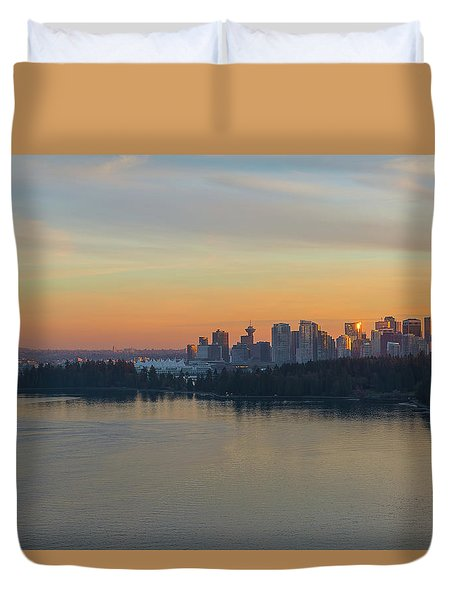 Vancouver Bc Skyline And Stanley Park At Sunset Duvet Cover