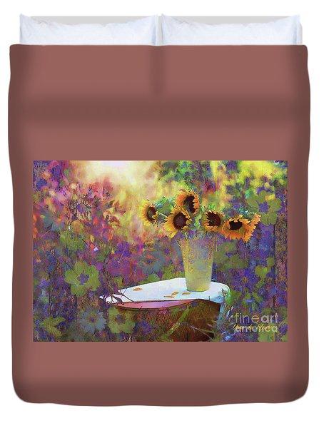 Vase De Fleurs 2017 Duvet Cover