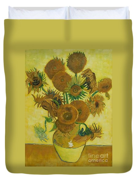 Vase Withfifteen Sunflowers Duvet Cover