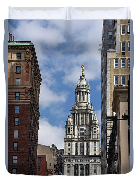 Veiw Of City Hall Duvet Cover by Judy Wolinsky