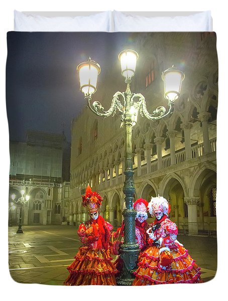 Venetian Ladies In San Marcos Square Duvet Cover