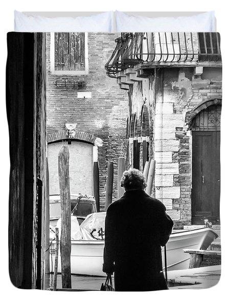 Venetian Silhoutte Lady Duvet Cover