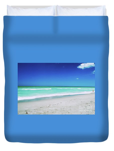 Duvet Cover featuring the photograph Venice Beach by Gary Wonning