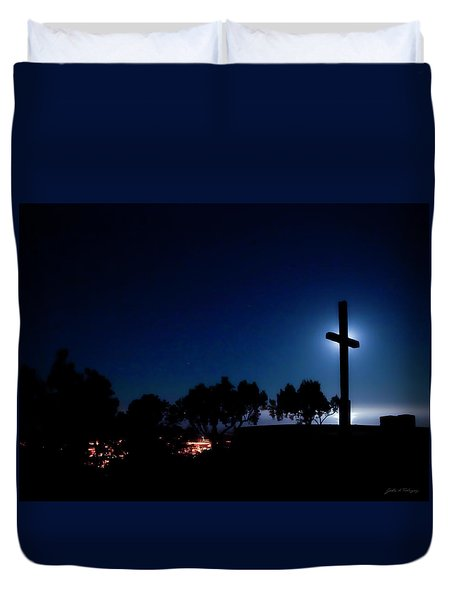 Ventura Ca Cross At Moonset Duvet Cover