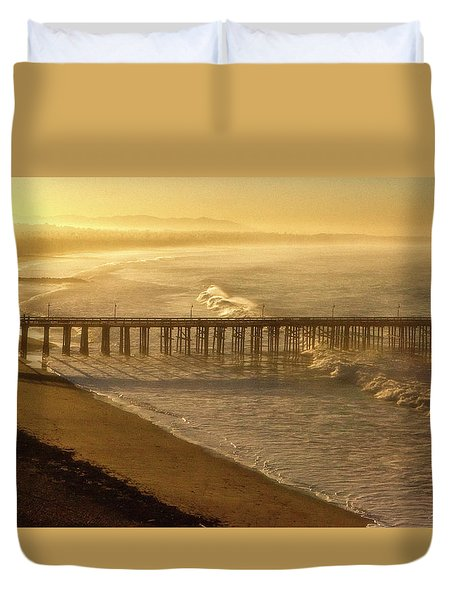 Ventura, Ca Pier At Sunrise Duvet Cover