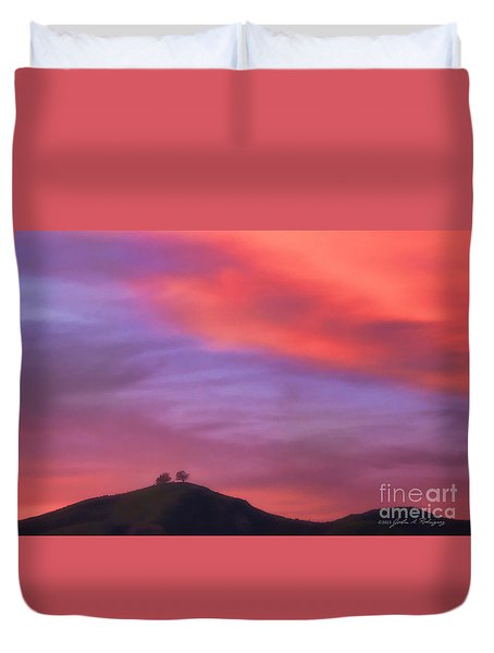 Ventura Ca Two Trees At Sunset Duvet Cover