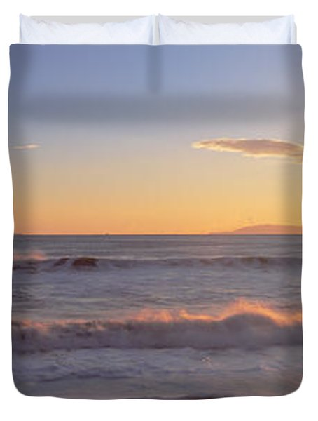 Ventura Pier At Sunset, California Duvet Cover