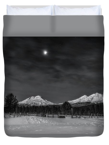 Duvet Cover featuring the photograph Venus Over Three Sisters by Cat Connor