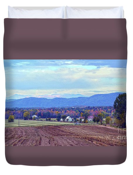 Vermont Countryside In Autumn Duvet Cover by Catherine Sherman
