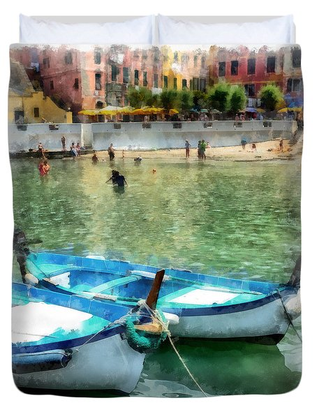 Vernazza Harbor Cinque Terre Italy Duvet Cover by Edward Fielding