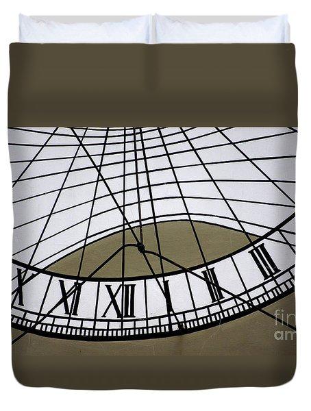 Vertical Sundial - Vertikale Sonnenuhr Duvet Cover
