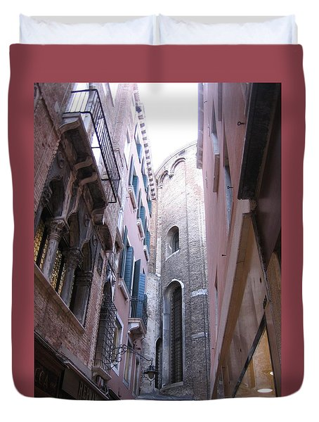 Vertigo In Venice Duvet Cover